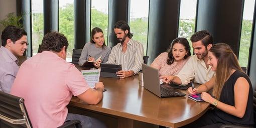 ¿Qué competencias adquiere un estudiante de la Licenciatura en Administración?