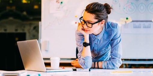 ¿Qué licenciatura puedo estudiar si me interesan los negocios?