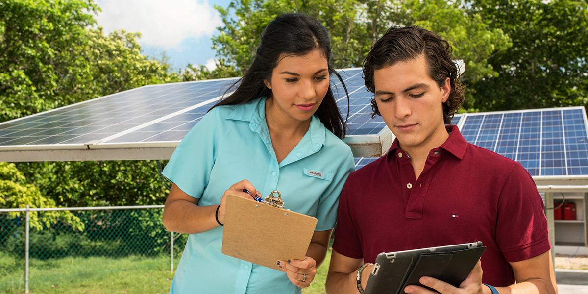 Estudiantes emprendimiento sostenible
